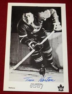 Tim Horton Signed 1963 Toronto Maple Leafs Team Issued Postcard